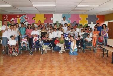 """Belén Laureano, Voluntaria en el Campo de Solidaridad 2010 con la Asociación """"Sin Barrera El Güis"""", Ciudad Sandino-Managua, Nicaragua."""