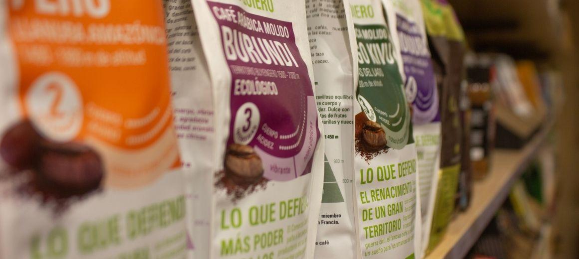Detalle de los paquetes de café de SETEM