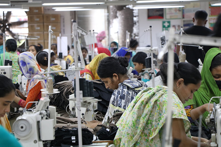 Trabajadoras del sector textil en Bangladesh